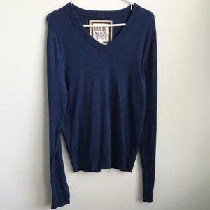 Ruehl No. 925 Blue Long Sleeve Sweater V Neck